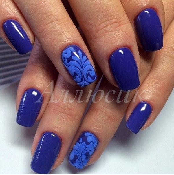 Маникюр дизайн в синем цвете