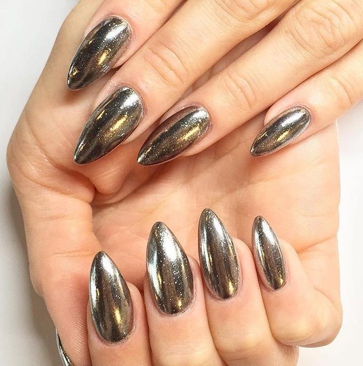 Зеркальная втирка для ногтей дизайн